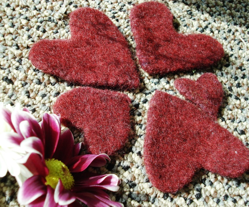Black_cherry_wool_hearts_010